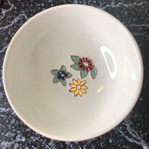 5 Vintage Dutch enameled flower hour d'vours dish